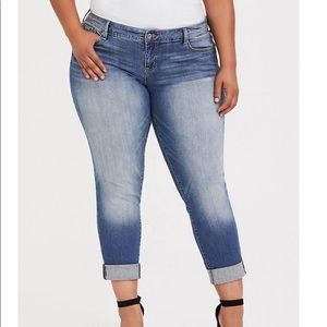 Torrid Mid Rise Boyfriend Jeans Light Wash Denim